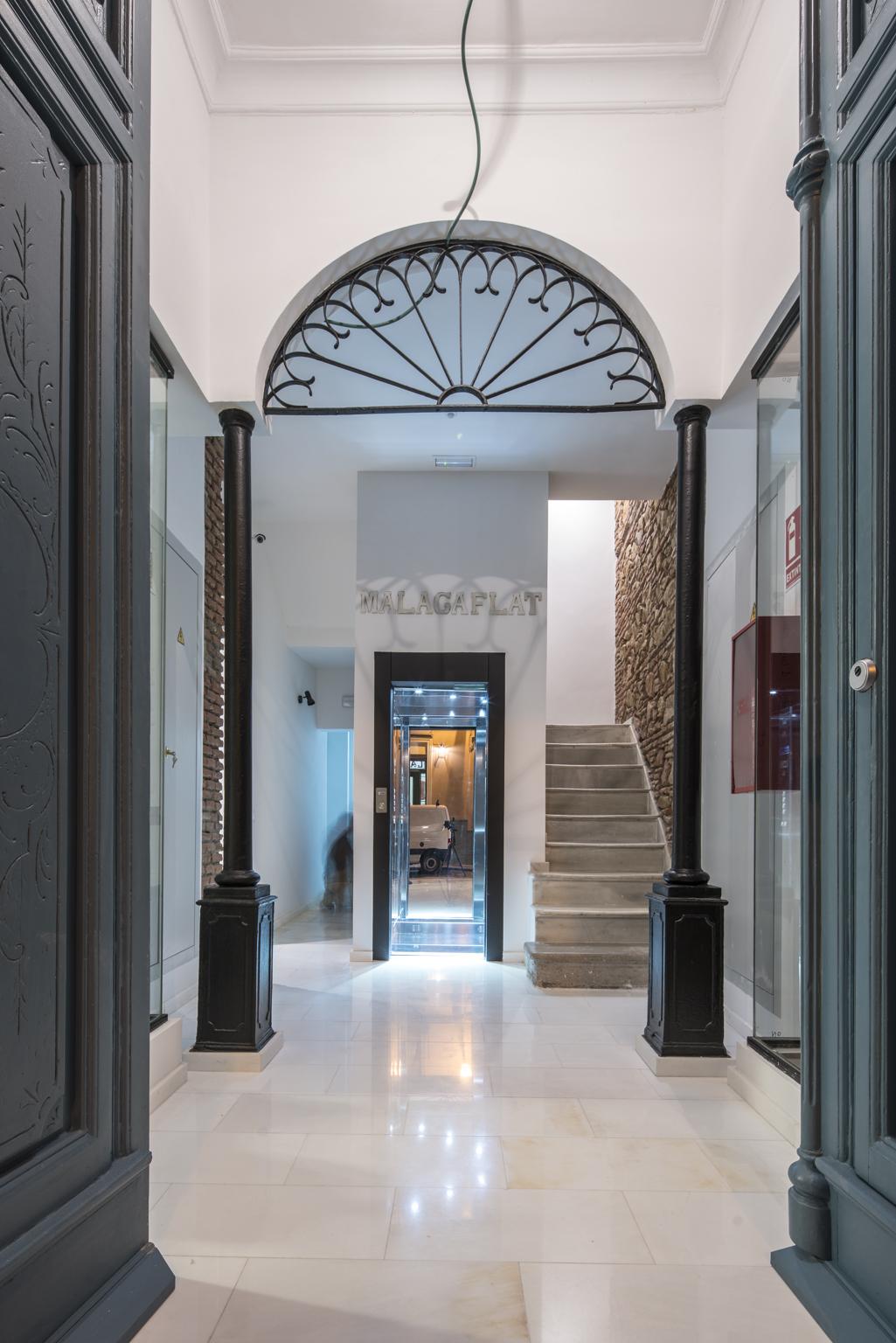 Vi la necesidad de decorar las estancias con una est tica m s internacional entrevista isabel - Interiorismo malaga ...